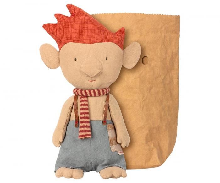 Troll w red scarf 0