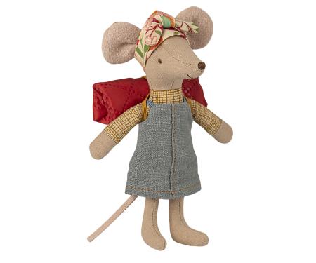 Hiker mouse, big sister [0]