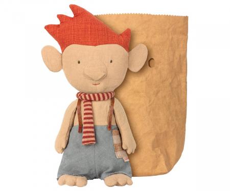 Troll w red scarf0