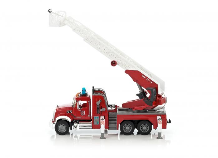 Masina de pompieri Mack Granite cu pompa pentru apa, Bruder 0