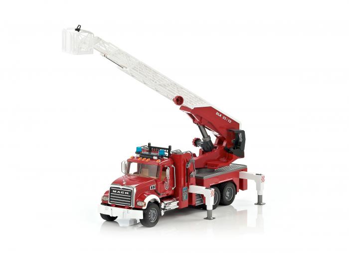 Masina de pompieri Mack Granite cu pompa pentru apa, Bruder 1