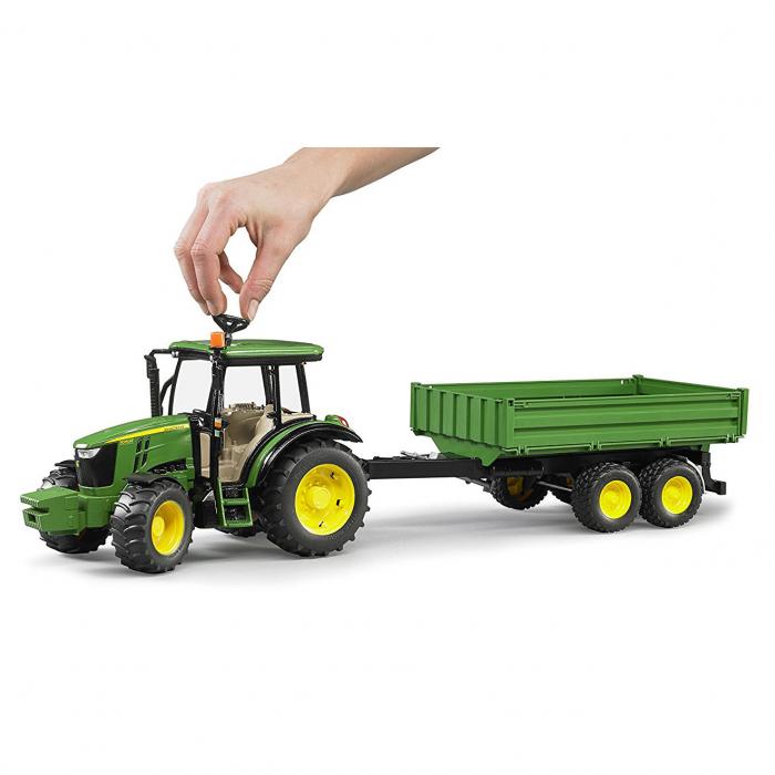 Tractor John Deere 5115 M verde cu remorca basculanta, Bruder 1