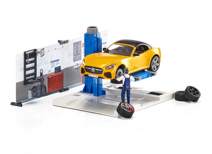 Jucarie bworld service auto cu masina Roadster si mecanic auto, Bruder [2]