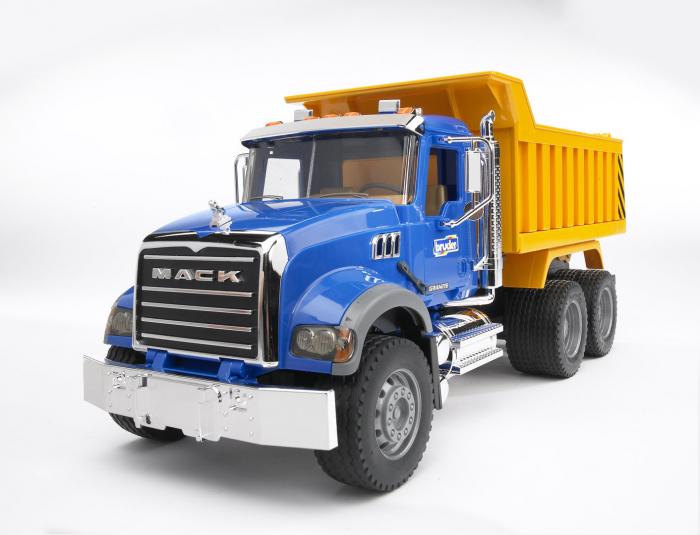 Camion basculant Mack Granite Bruder cu elemente cromate si functii reale 0