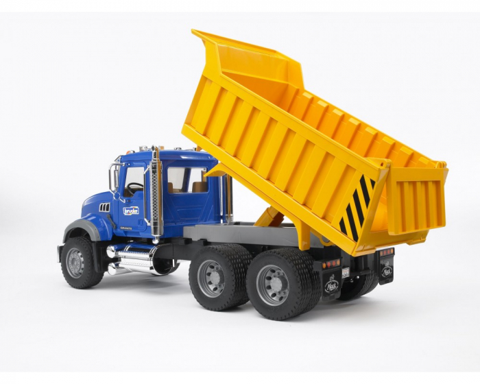 Camion basculant Mack Granite Bruder cu elemente cromate si functii reale 1