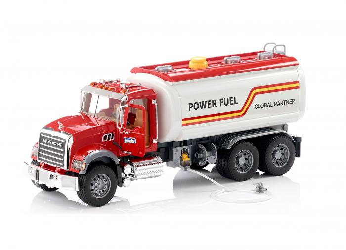 Jucarie camion Mack Granite de tipul cisterna cu furtun apa, Bruder 0