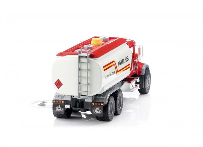 Jucarie camion Mack Granite de tipul cisterna cu furtun apa, Bruder 3