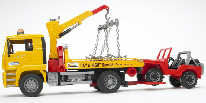 Camion galbem MAN TGA de tractare cu vehicul de teren rosu, Bruder 2