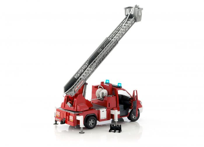 Duba Mercedes Benz Sprinter de pompieri cu pompa de apa, modul de lumini si sunet 5