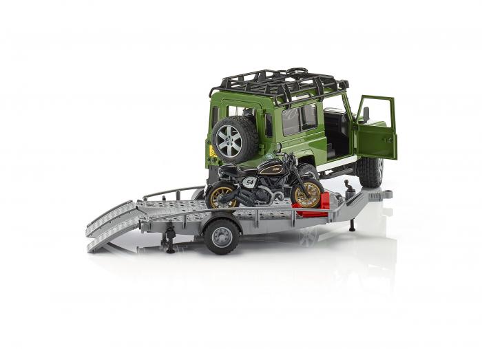 Masina Jeep Land Rover verde cu statie de tractare, motocicleta Ducati Scrambler Cafe Racer si figurina Bruder 3