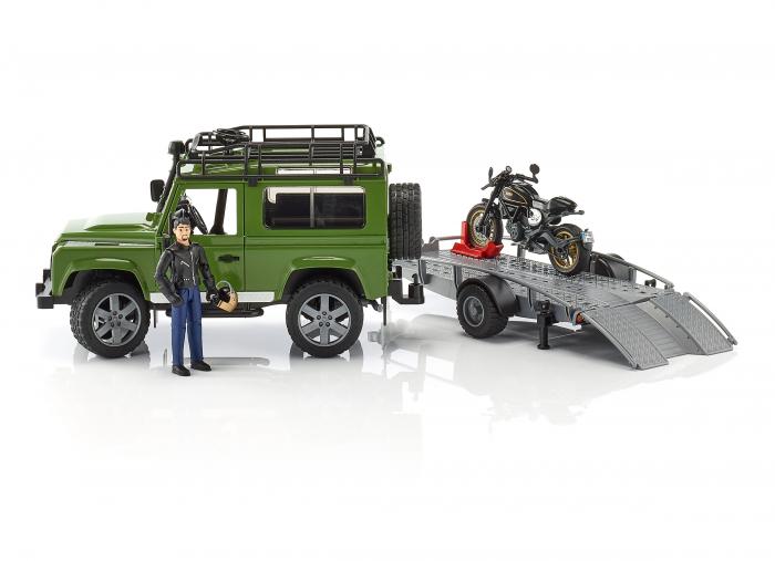 Masina Jeep Land Rover verde cu statie de tractare, motocicleta Ducati Scrambler Cafe Racer si figurina Bruder 1