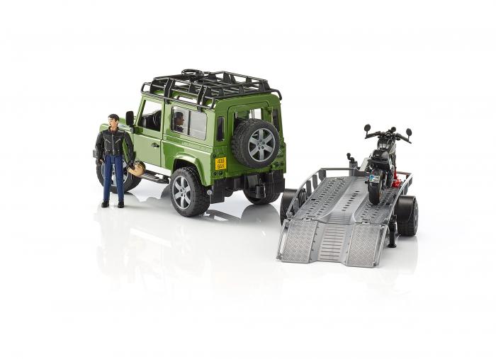 Masina Jeep Land Rover verde cu statie de tractare, motocicleta Ducati Scrambler Cafe Racer si figurina Bruder 2