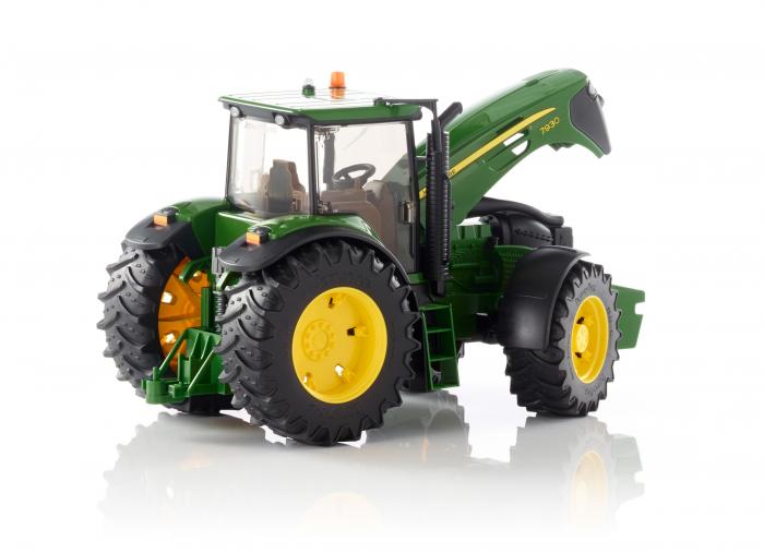 Tractor John Deere verde, modelul 7930, Bruder 3