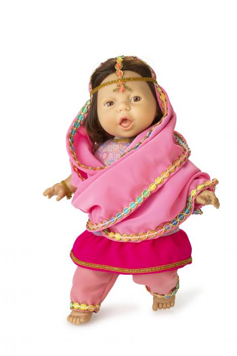 Papusa fetita Cyra, colectia Educativa Friends of the World, Berjuan luxury dolls 0