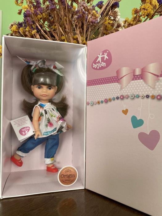 Papusa Luci, bruneta, colectia Boutique, Berjuan handmade luxury dolls 1