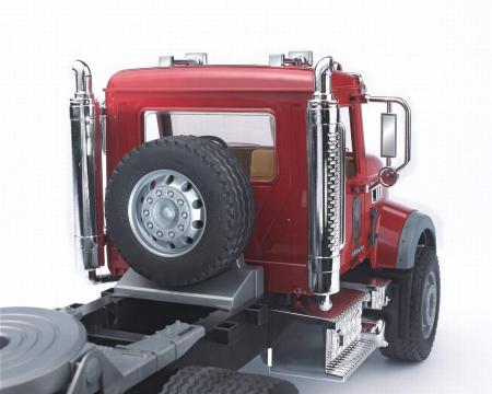 Jucarie Camion Mack Granite cu trailer de transport agabaritic cu excavator JCB 4CX inclus - 93,5 x 18,5 x 26,5 cm2