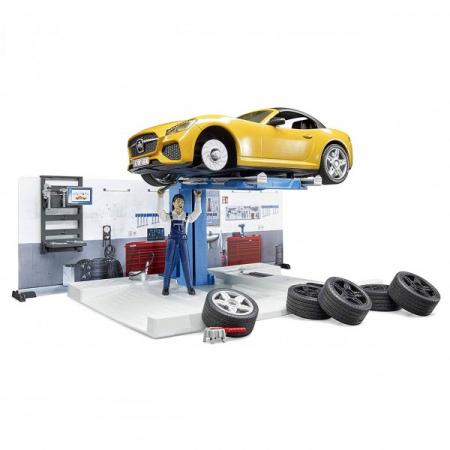 Jucarie bworld service auto cu masina Roadster si mecanic auto, Bruder [3]