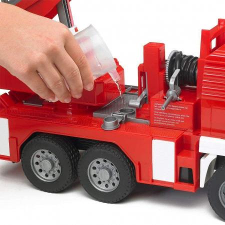 Jucarie Camion de pompieri  MAN TGA, cu pompa de apa si modul de lumini si sunet. Dimensiuni 47 x 17.5 x 24.2 cm3
