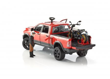 Set masina RAM 2500 cu motocicleta Ducati sport si figurina pilot cu accesorii, Bruder [4]