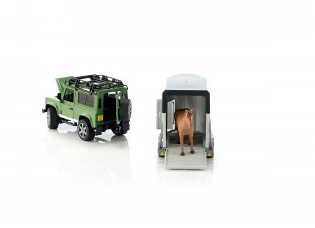Jucarie Jeep Land Rover Defender cu remorca pentru transport cai + figurina cal inclusa - 61,5 x 14 x 18,5 cm3
