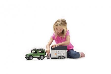 Jucarie Jeep Land Rover Defender cu remorca pentru transport cai + figurina cal inclusa - 61,5 x 14 x 18,5 cm [1]