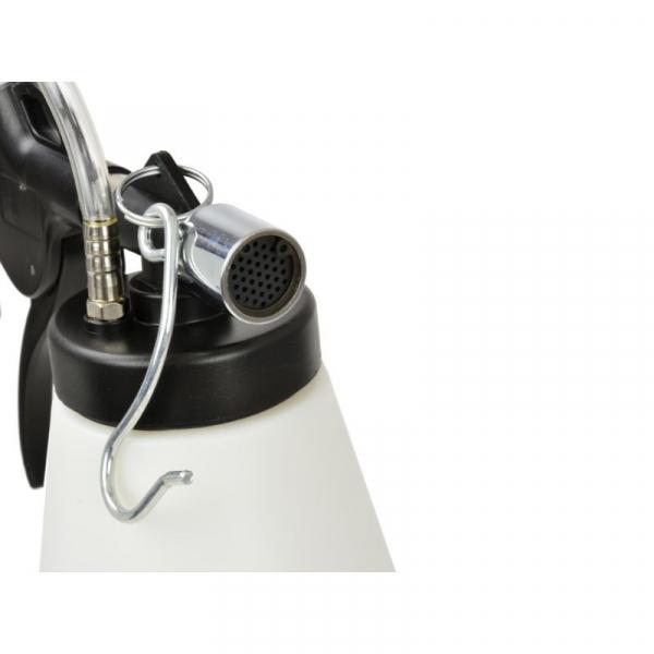 Dispozitiv pneumatic pentru schimbat si aerisit lichidul de frana 2
