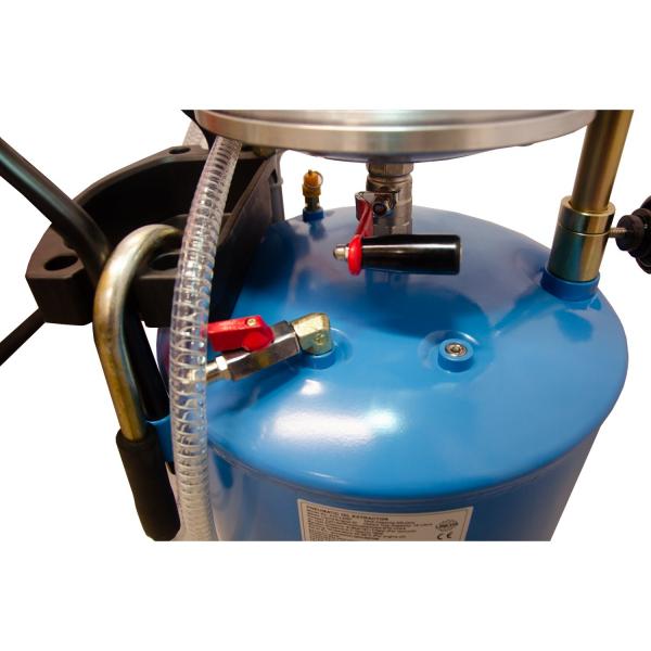 Recuperator de ulei pneumatic cu aspiratie 1