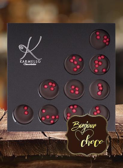 Bomboane ciocolată neagră cu umplutură de cireșe
