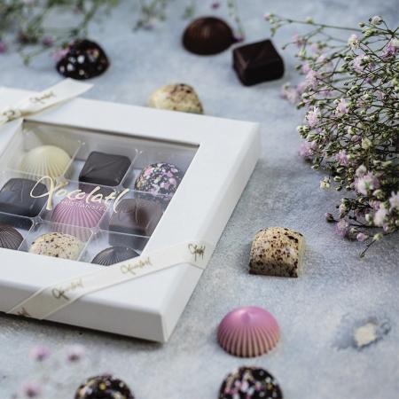 Limited Pink 9 - Selectie premium bomboane de ciocolata 80G [3]