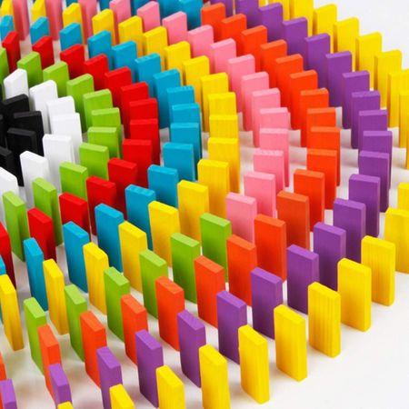 Domino multicolor, din lemn, cu 600 piese [1]