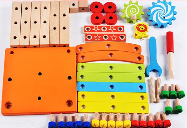 Jucarie din lemn SCAUN TAMPLAR - Joc de Constructii 4
