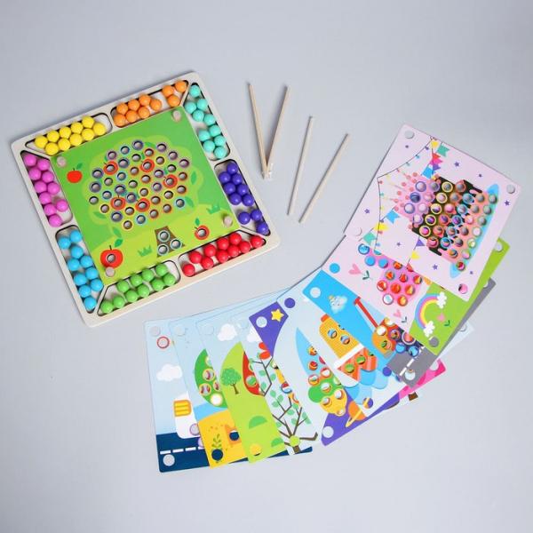 Joc Montessori de asociere si indemanare cu bile colorate [4]