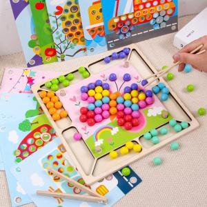 Joc Montessori de asociere si indemanare cu bile colorate [1]
