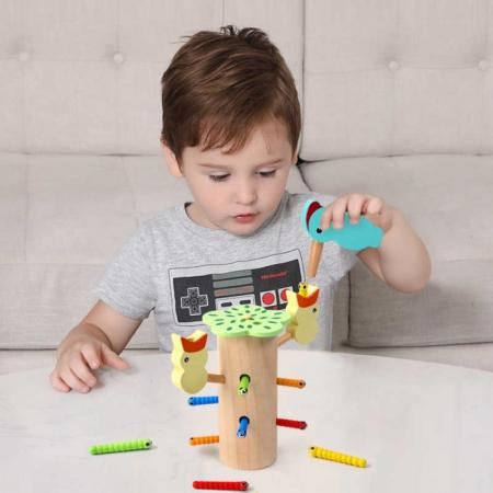 Jucarie din lemn educativa cu magnet, joc de indemanare Ciocanitoare cu pui [1]