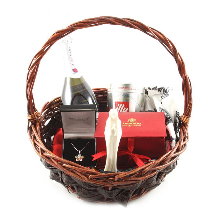 Elegant Lady Gift Basket 0