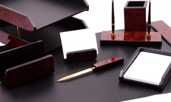 Business Set multifunctional pentru birou Dark Burgundy cu 8 accesorii 1