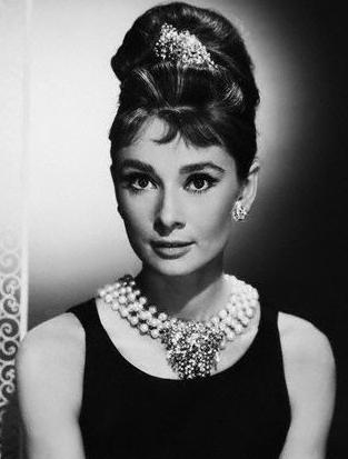 Cum sa fii o Hepburn intr-o lume Hilton!-big