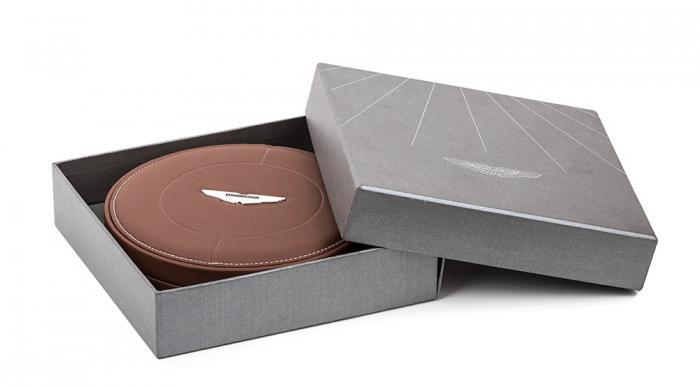 Pix Leather Aston Martin 1