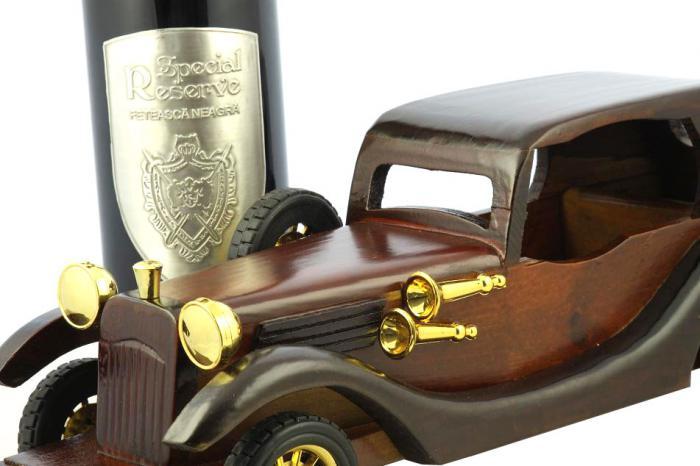 Rolls Royce Phantom II & Princiar Special Reserve Wine 1