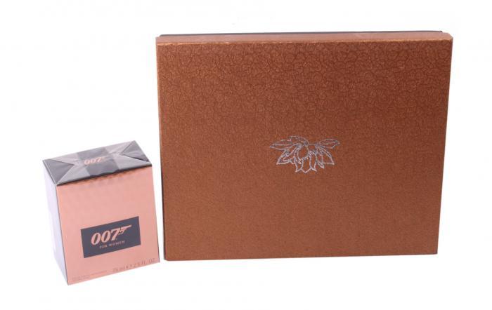 Cadou Set Parfum 007 Girl & Accesorii 4