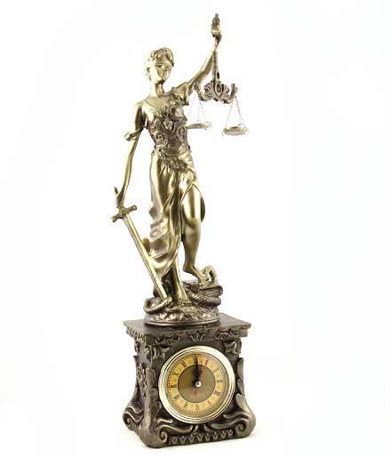 """Cadou Statuetă şi Whisky  """"Teacher's Justice"""" 1"""