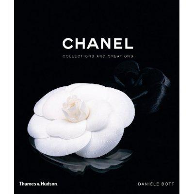 "Cadou ""Chanel Collections and Creations"" de Daniele Bott & Esarfa 1"