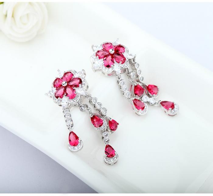 Cercei Borealy Ruby Flower Chandelier 1