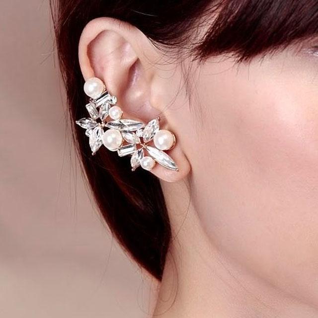 Cercei Ear Cuff Asimetrici Crystal Pearl by Borealy 1