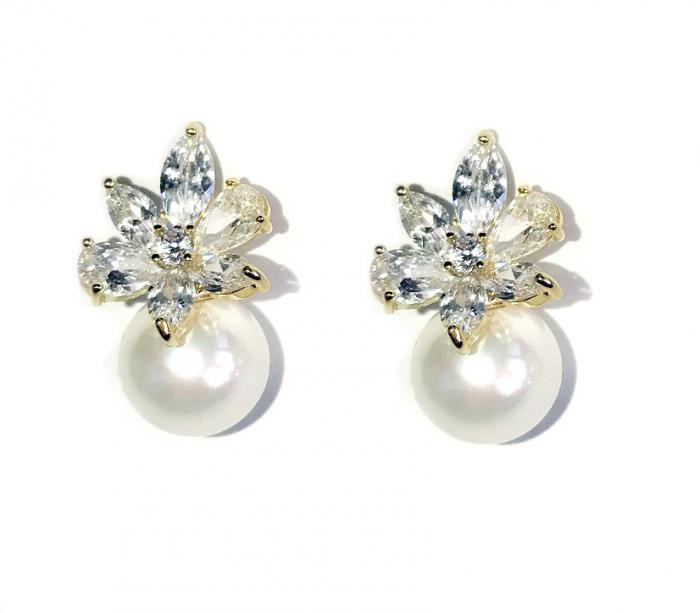 Cercei Borealy Crystal Flower Ivory Pearl 2