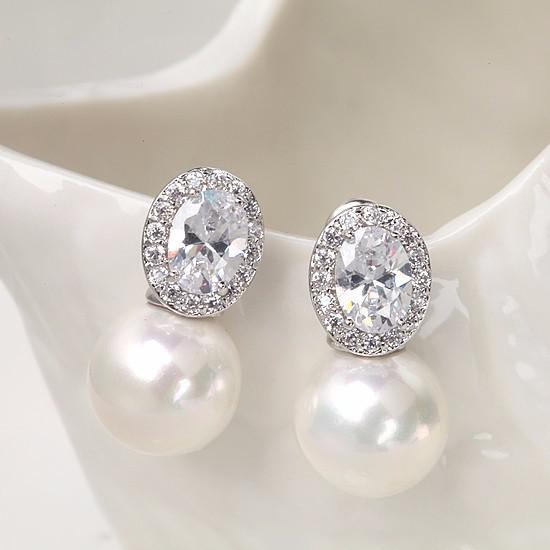 Cercei Borealy Pearl Crystal 1