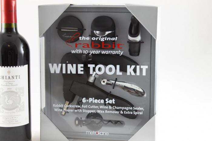 Rabbit Wine Tool Kit & Melini Chianti 1