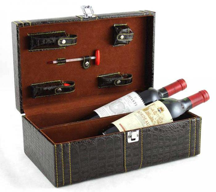 Cutie dublă de vin din piele cu accesorii Royal Brown 0