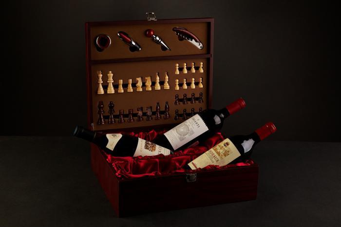 Caseta sah tripla cu accesorii vin 1