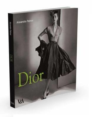 """Cartea """"Dior"""" de Alexandra Palmer 2"""